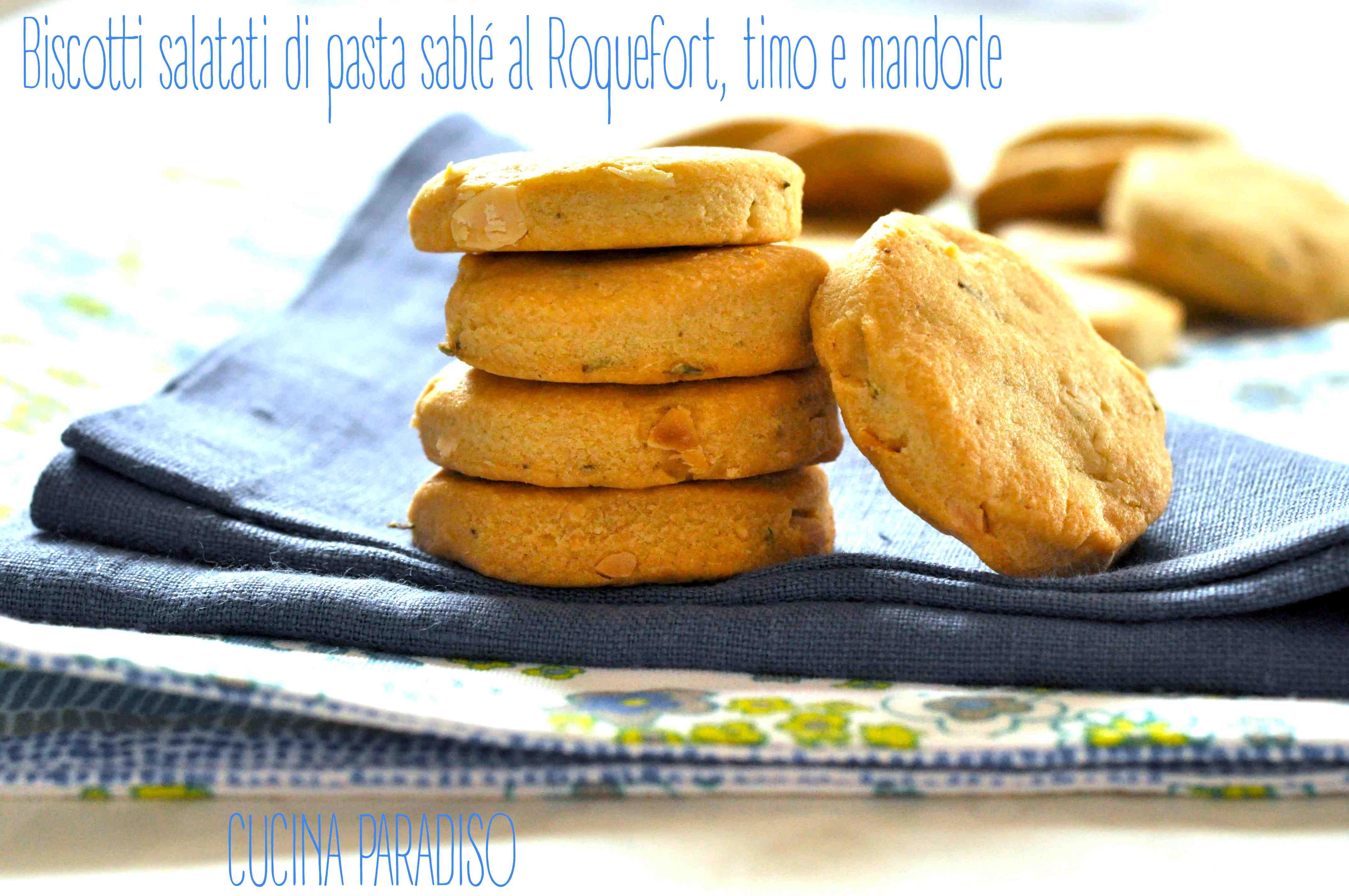 Biscotti salatati di pasta sablé al Roquefort, timo e mandorle2