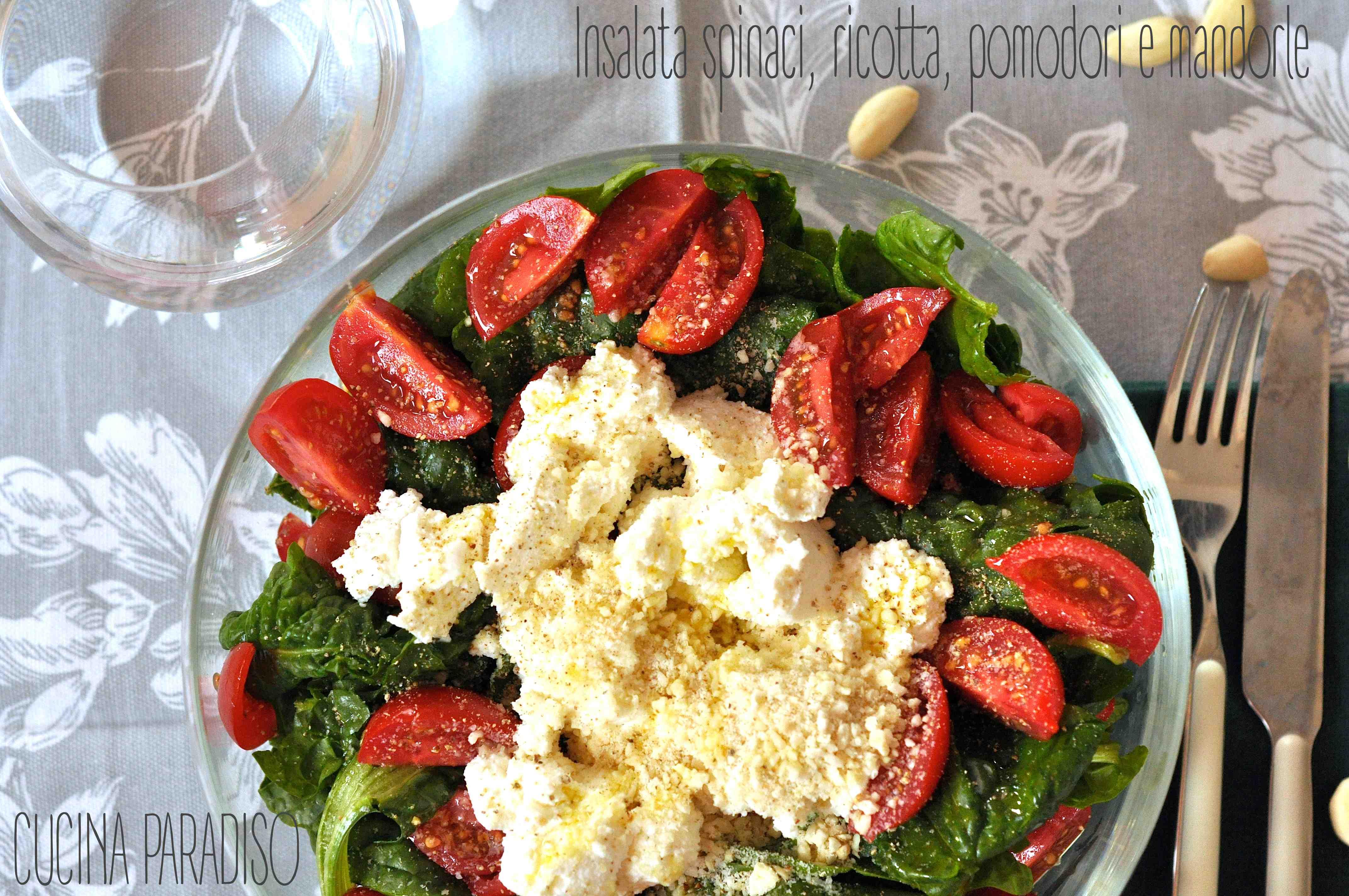 Insalata spinaci, ricotta, pomodori e mandorle2