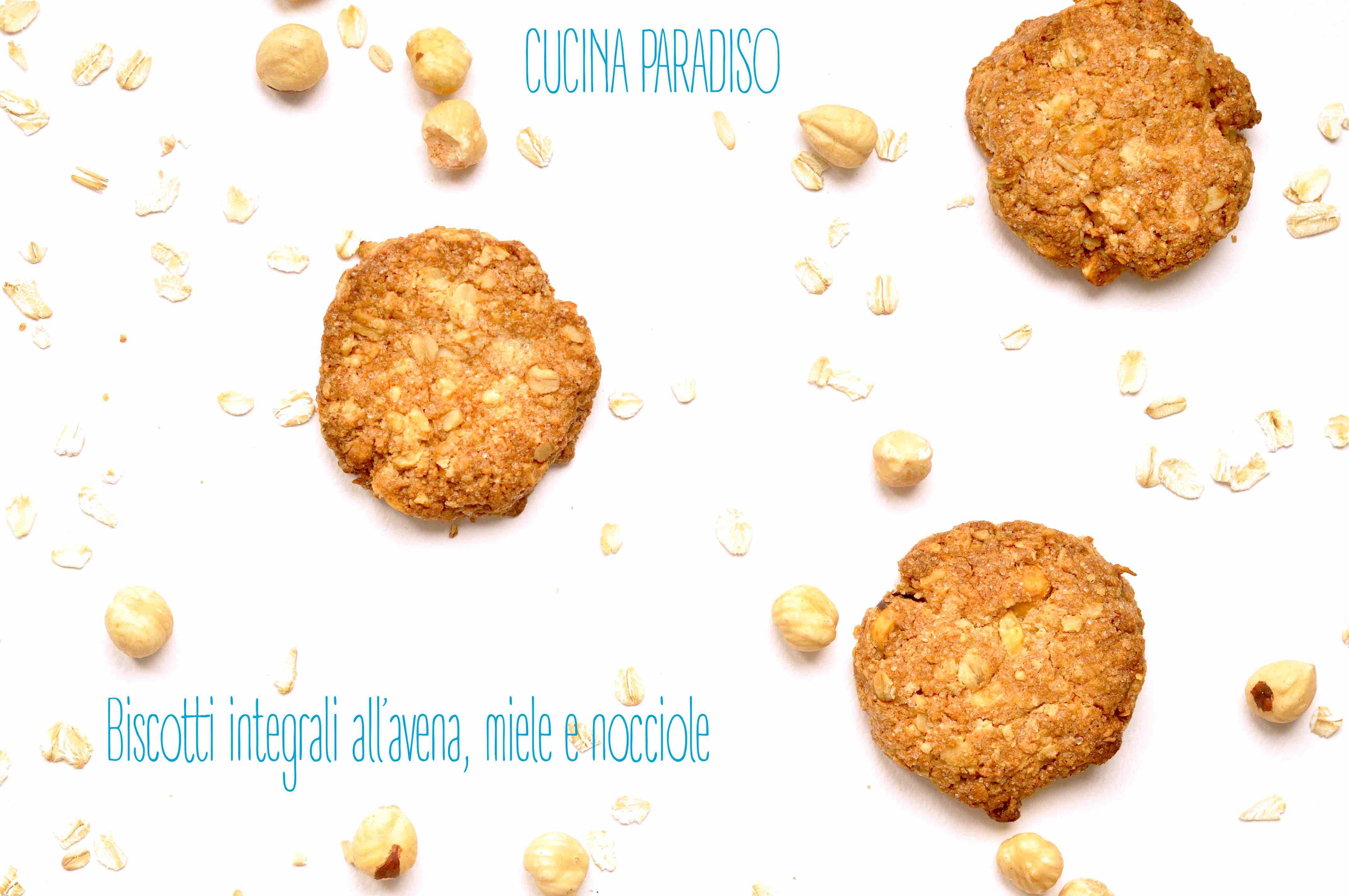 Biscotti integrali all'avena, miele e nocciole