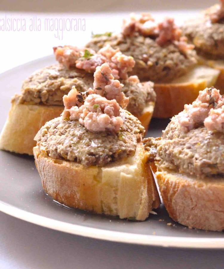 Crostini con crema di lenticchie e salsiccia alla maggiorana2