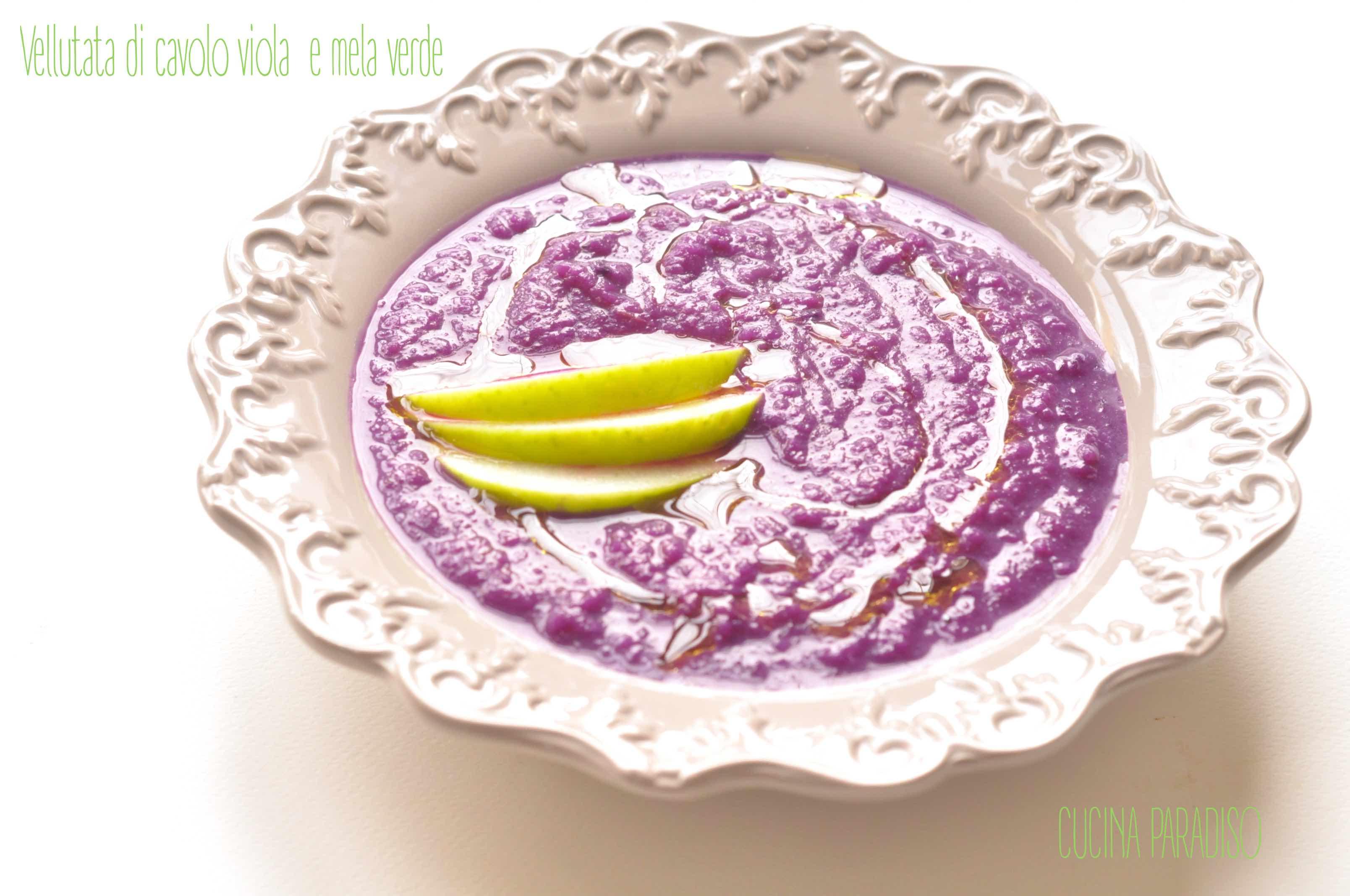 Vellutata di cavolo viola  e mela verde