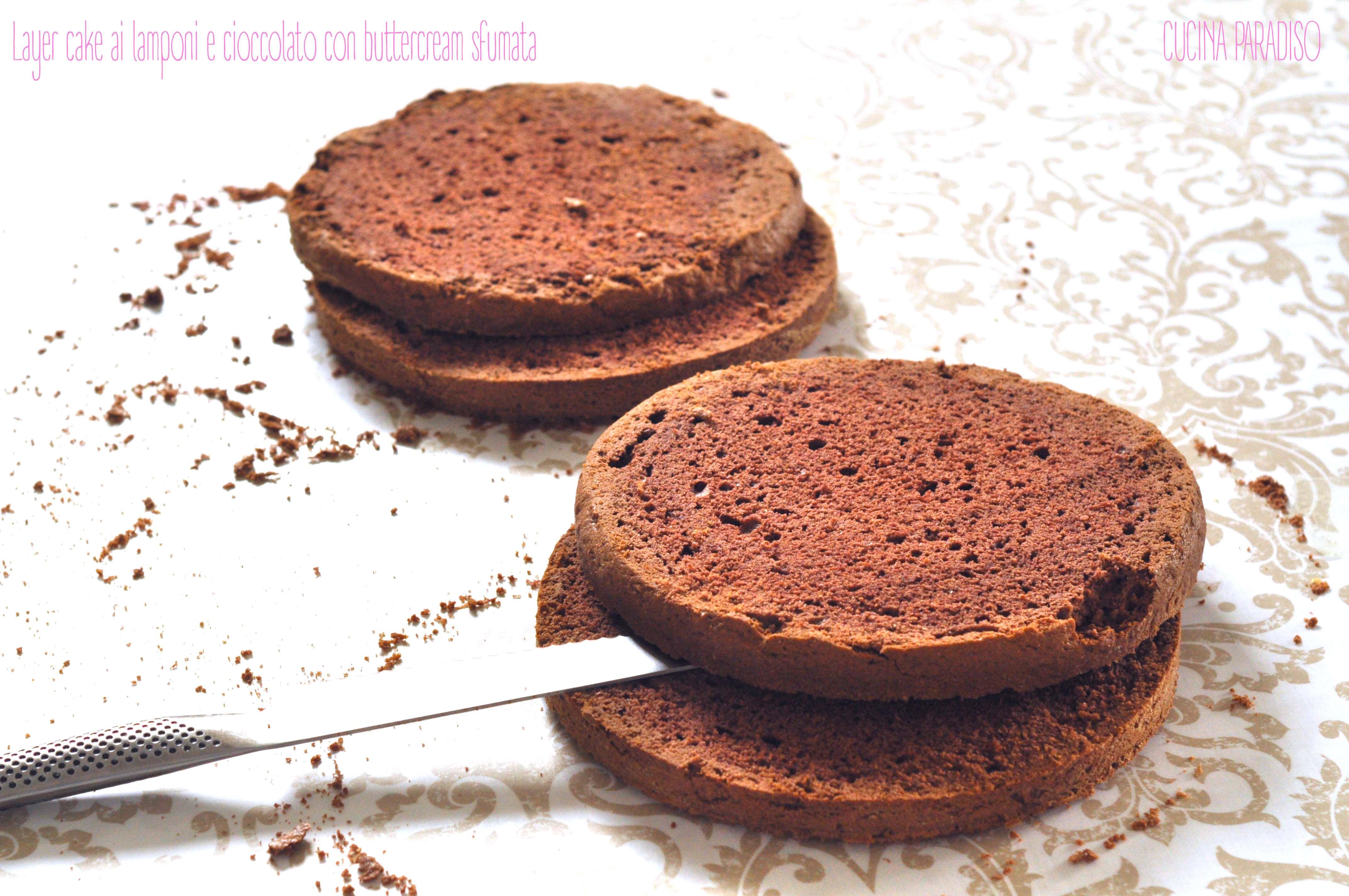 Layer cake ai lamponi e cioccolato con buttercream sfumata2