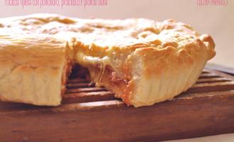 Focaccia ripiena con pomodoro, prosciutto e provola silana3
