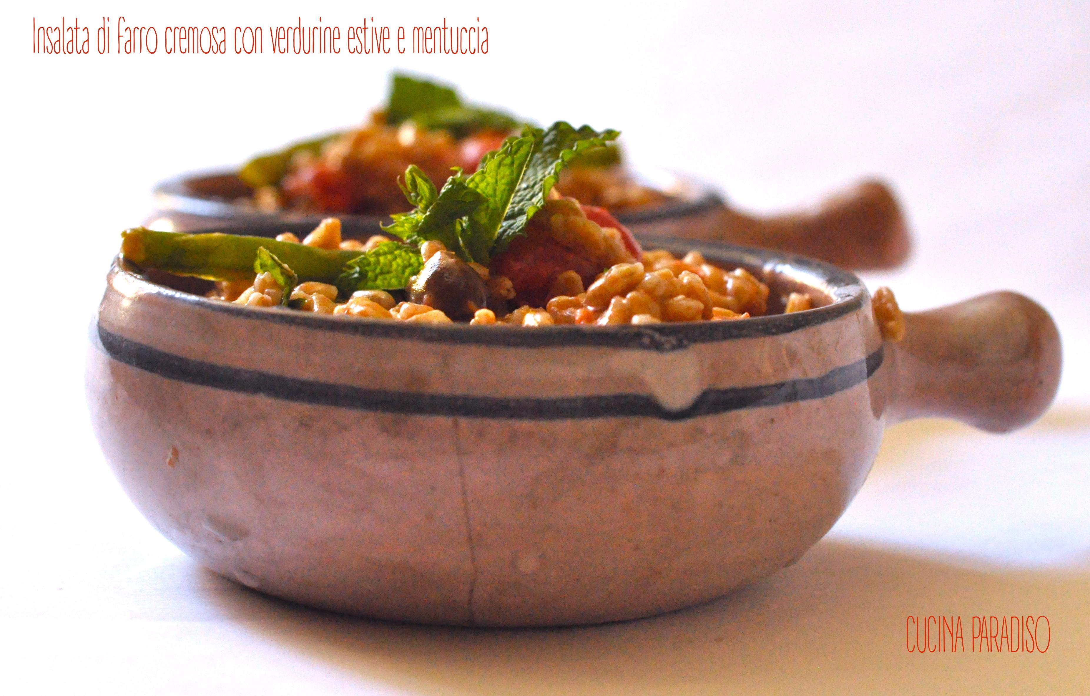 Insalata di farro cremosa con verdurine estive e mentuccia