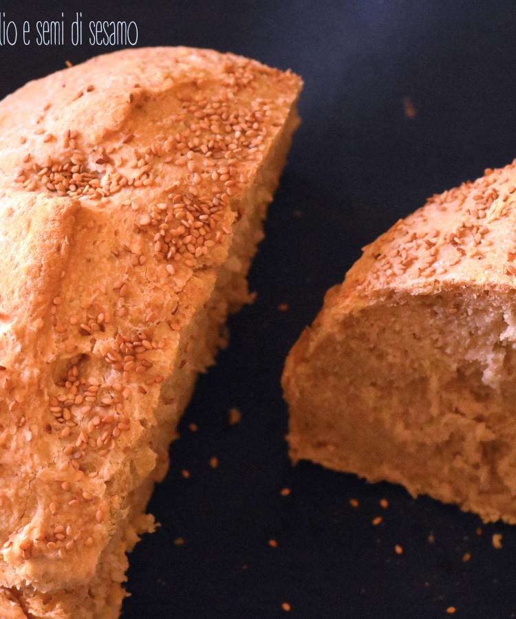 Pane con lievito madre , olio e semi di sesamo3