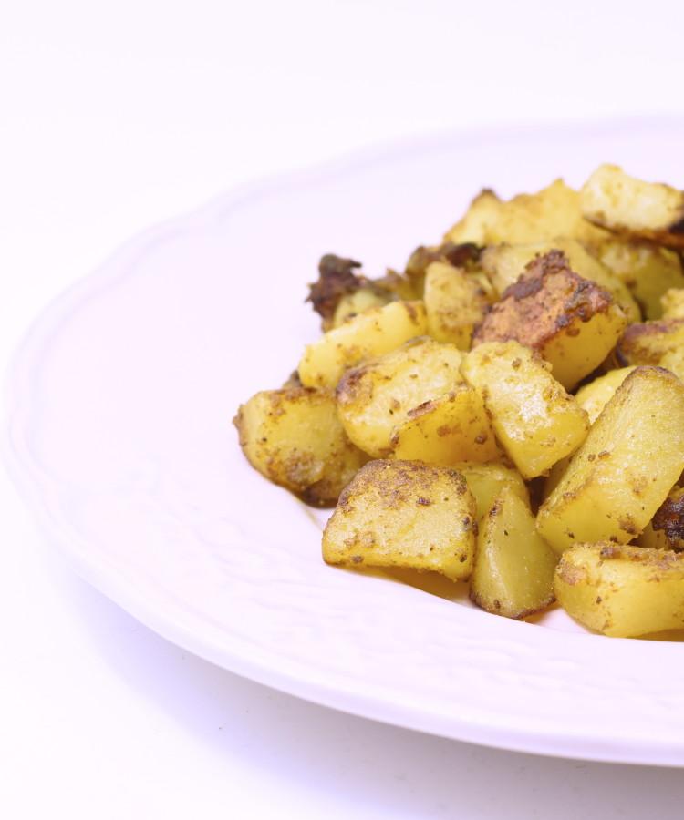 Patate spadellate al curry