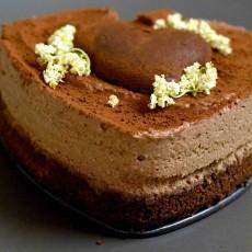 Torta cuore di mamma ( bavarese al cioccolato fondente)2